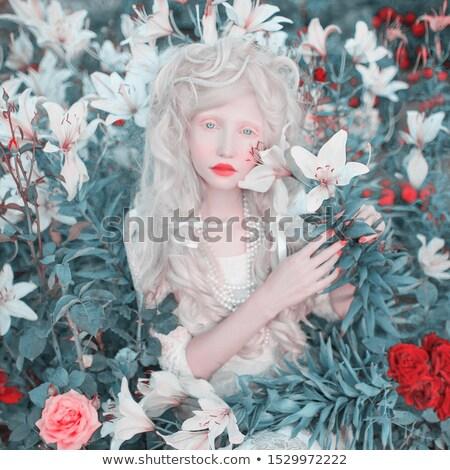 Bella albino ragazza labbra rosse bianco giovani Foto d'archivio © svetography