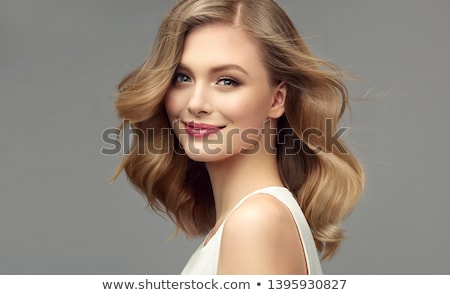 Gelukkig blond dame glimlachend blonde vrouw poseren Stockfoto © oleanderstudio