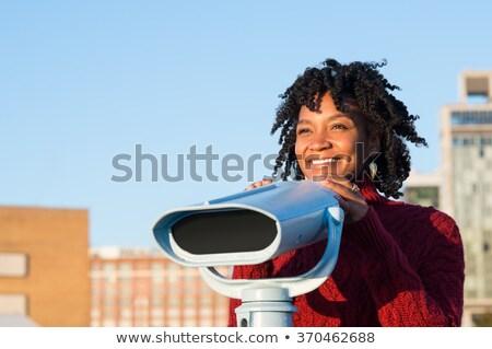 Giovani viaggiatore sorridere guardando Foto d'archivio © RAStudio