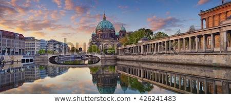 Berlijn · nacht · huis · gebouw · straat · kerk - stockfoto © benkrut