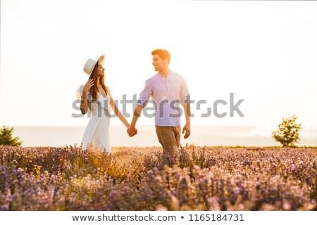 belle · fille · robe · blanche · marche · champ · de · lavande · jeunes · romantique - photo stock © deandrobot