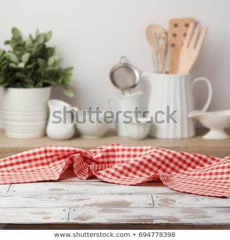 Gotowania tabeli kuchnia ręcznik serwetka drewniany stół Zdjęcia stock © karandaev