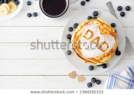 Sweet déjeuner père contenu faim peu Photo stock © pressmaster