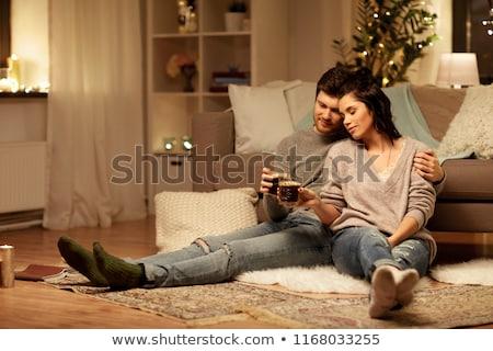 Vriendinnen drinken koffie sofa vrouwen kamer Stockfoto © photography33