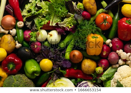 friss · zöldségek · fenyőfa · fa · asztal · közelkép · természet - stock fotó © photography33
