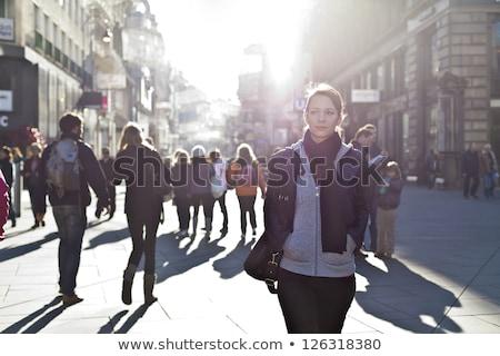 Gyalogosok figyelmeztetés sétál állandóan sietség város Stock fotó © stevanovicigor