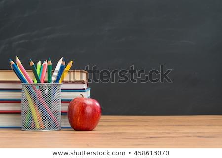 pielęgniarki · jabłko · młodych · lekarza · uśmiechnięty - zdjęcia stock © elvinstar