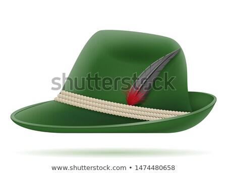 Verde pălărie oktoberfest izolat alb Imagine de stoc © orensila