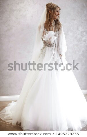 blond · cheveux · fille · longtemps · robe · de · mariée - photo stock © artfotodima