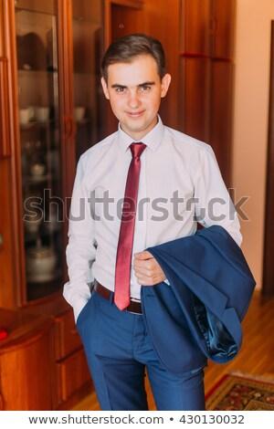Goed kijken man pak jas schouder Stockfoto © photography33