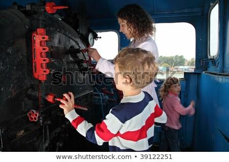 Anne çocuklar lokomotif kabin aile Metal Stok fotoğraf © Paha_L