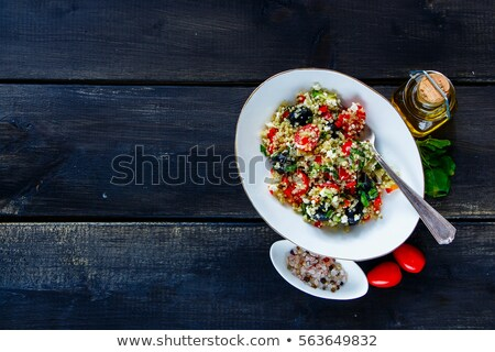 saludable · ensaladera · ensalada · tomates · cherry · aguacate - foto stock © m-studio
