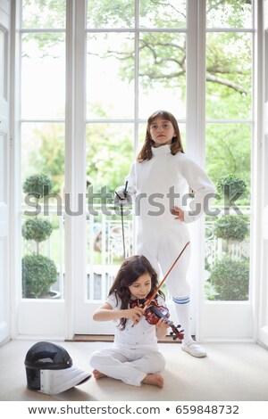 Kızlar keman eskrim dişli müzik çocuk Stok fotoğraf © IS2
