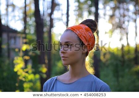 Portret jong meisje pine hout vrouw bos Stockfoto © fanfo