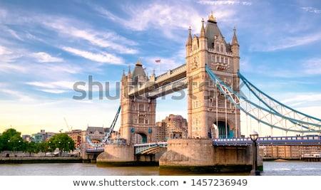 puente · Londres · signo · ciudad · arquitectura · Inglaterra - foto stock © chrisdorney