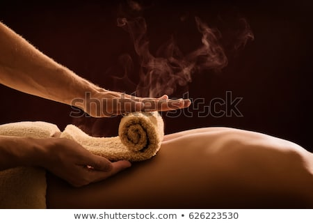 man · luxe · Maakt · een · reservekopie · massage · spa · centrum - stockfoto © kzenon