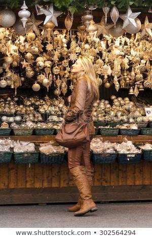 Femme Noël marché Vienne Autriche Shopping Photo stock © phbcz