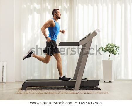 homme · courir · gymnase · heureux · fitness - photo stock © monkey_business
