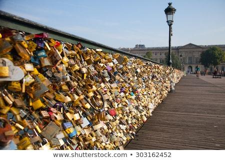 miłości · Paryż · most · para · podpisania · grupy - zdjęcia stock © givaga