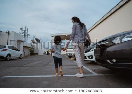 Dziewczyna parking piękna portret sam sukienka Zdjęcia stock © IS2