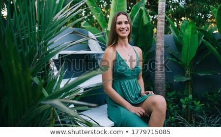 portré · fiatal · barna · hajú · szépség · zöld · fal - stock fotó © feedough