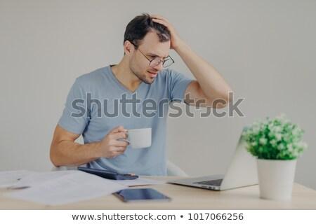 Disperato giovani maschio crisi finanziaria testa tensione Foto d'archivio © vkstudio