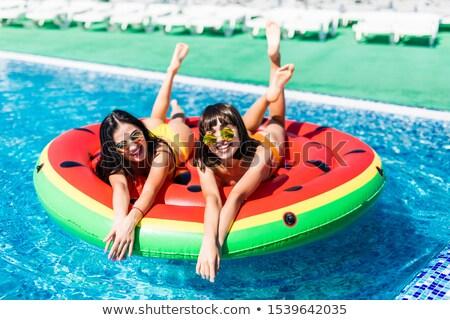 Foto stock: Morena · posando · piscina · água · menina · modelo