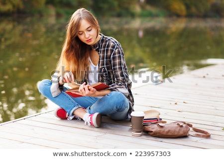 portret · cute · meisje · lezing · boek · witte - stockfoto © manaemedia