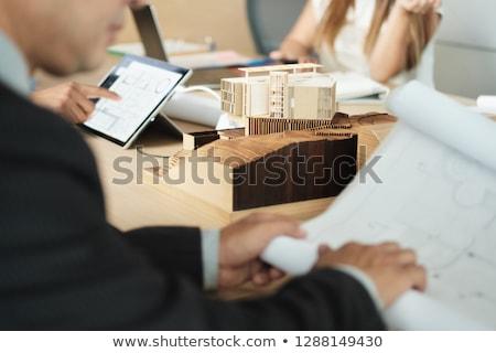 Architekta miniatura budynku spotkanie biznesowe klienta Zdjęcia stock © diego_cervo