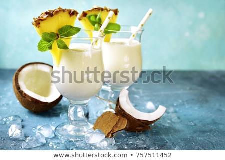 Pina colada hagyományos Karib koktél kókusz ananász Stock fotó © furmanphoto