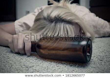 bewusstlos · Frau · stehen · Waschraum · betrunken · bar - stock foto © piedmontphoto