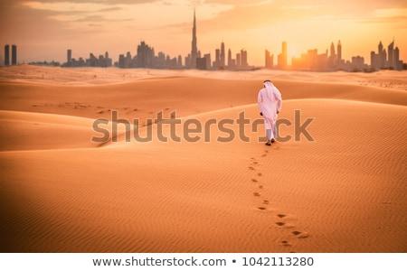 Dubai · deserto · Emirados · Árabes · Unidos · árabe · céu · mãos - foto stock © swimnews