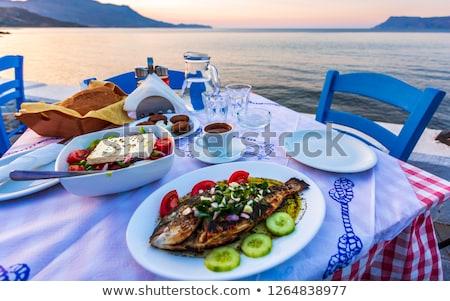 Grieks salade plaat witte wijn komkommer tomaat Stockfoto © karandaev