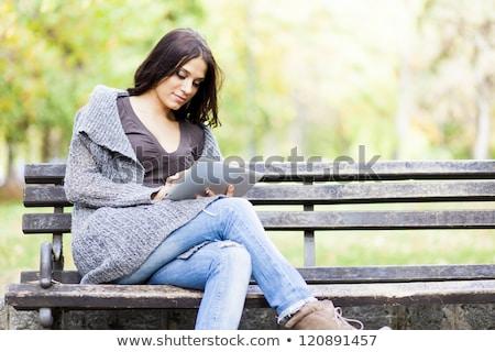 手 · 美しい · 若い女性 · 公園 · コンピュータ - ストックフォト © adamr