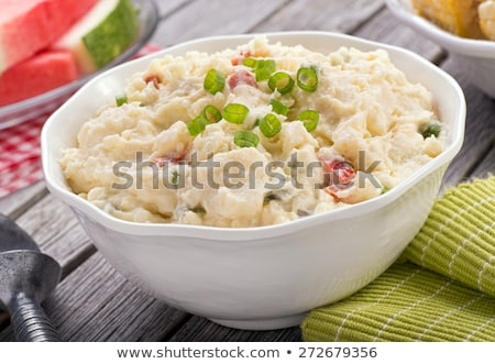 Kartoffelsalat · griechisch · Schüssel · weiß · Holztisch · Salat - stock foto © m-studio