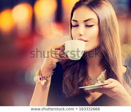 café · femme · séance · table - photo stock © dash