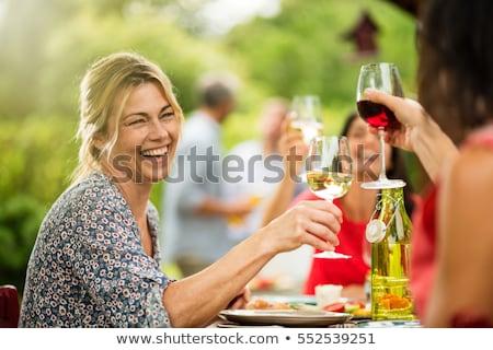 Stok fotoğraf: öğle · yemeği · bahçe · kadın · aile