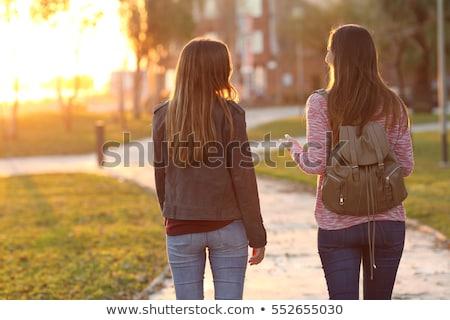 férfi · nő · kéz · a · kézben · sétál · ősz · park - stock fotó © aitormmfoto
