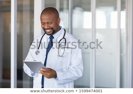 médico · comprimido · isolado · branco · digital - foto stock © wavebreak_media