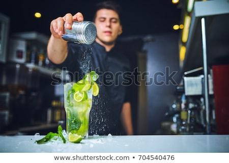бармен работу коктейли рук службе Сток-фото © master1305
