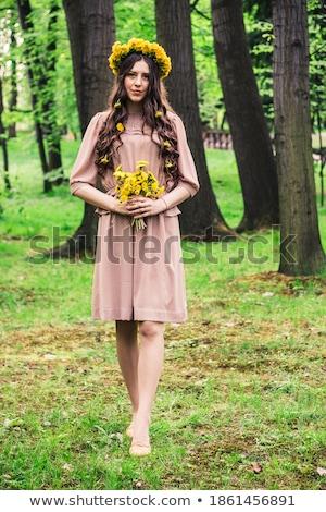 Attrattivo donna bella capelli lunghi fiore Foto d'archivio © deandrobot