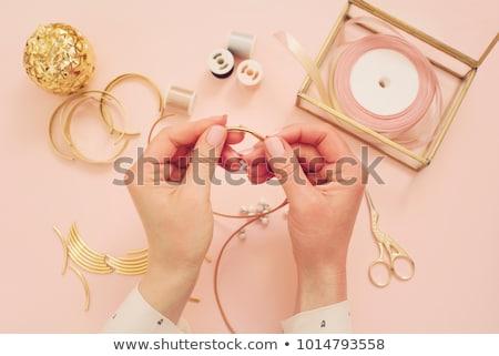 mulher · trabalhando · colar · oficina - foto stock © kzenon