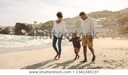 カップル · 愛 · を実行して · ビーチ · 地中海 · 女性 - ストックフォト © pablocalvog