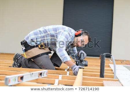convés · construtor · masculino · carpinteiro · edifício - foto stock © oscarcwilliams