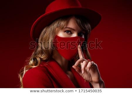 fiatal · nő · készít · kézmozdulat · meztelen · vállak · ujj - stock fotó © stockyimages