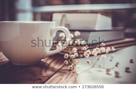 retro · mesa · libro · taza · té · café - foto stock © feelphotoart