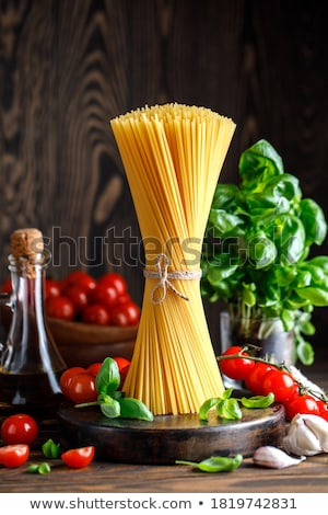 Pasta macaroni hoop houten tafel tabel Stockfoto © Stocksnapper