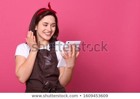 assistindo · comprimido · surpreendido · mulher · jovem · sessão · cadeira - foto stock © filipw