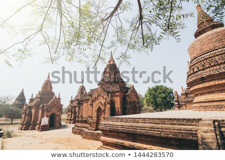 templo · dorado · hora · escénico · vista · antigua - foto stock © cozyta
