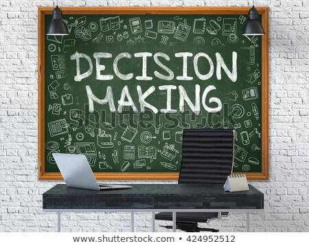 La toma de decisiones pizarra oficina verde texto blanco Foto stock © tashatuvango